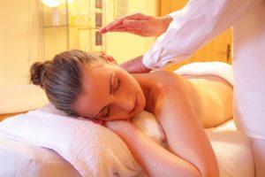 massage woman prenatal