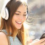 11 Best Wireless Headphones: (Reviews & Guide 2021)
