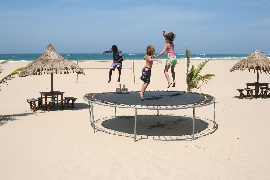 jump trampoline play